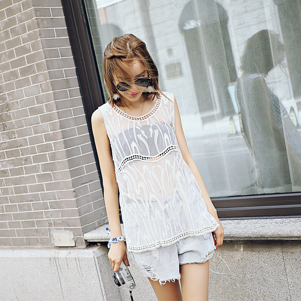 Lace embroidery blouse sleeveless net yarn lace blouse summer explosion style lace shirt sleeveless