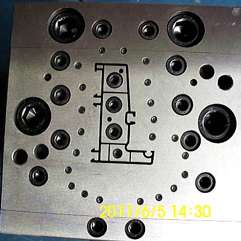 Aluminium Plastic Co-Extrusion Moulds