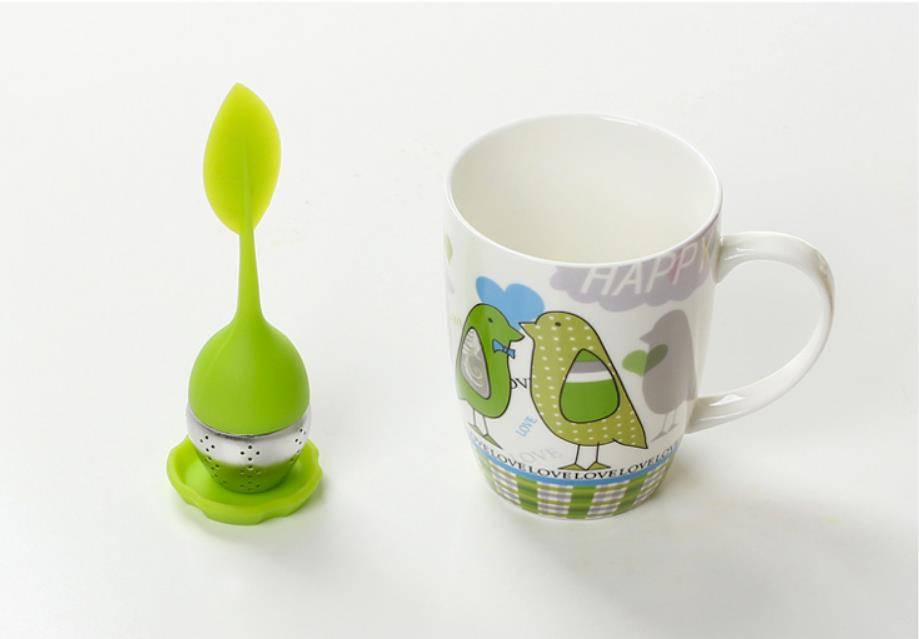 Novelty leaf shaped tea infuser made by silicone and stainless steel