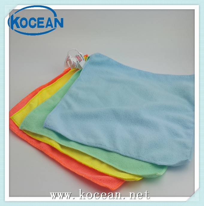 Microfiber cleaning wipe set