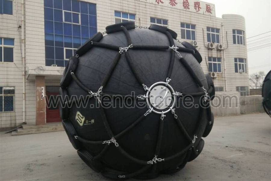 Natural rubber anti aging pneumatic marine fender