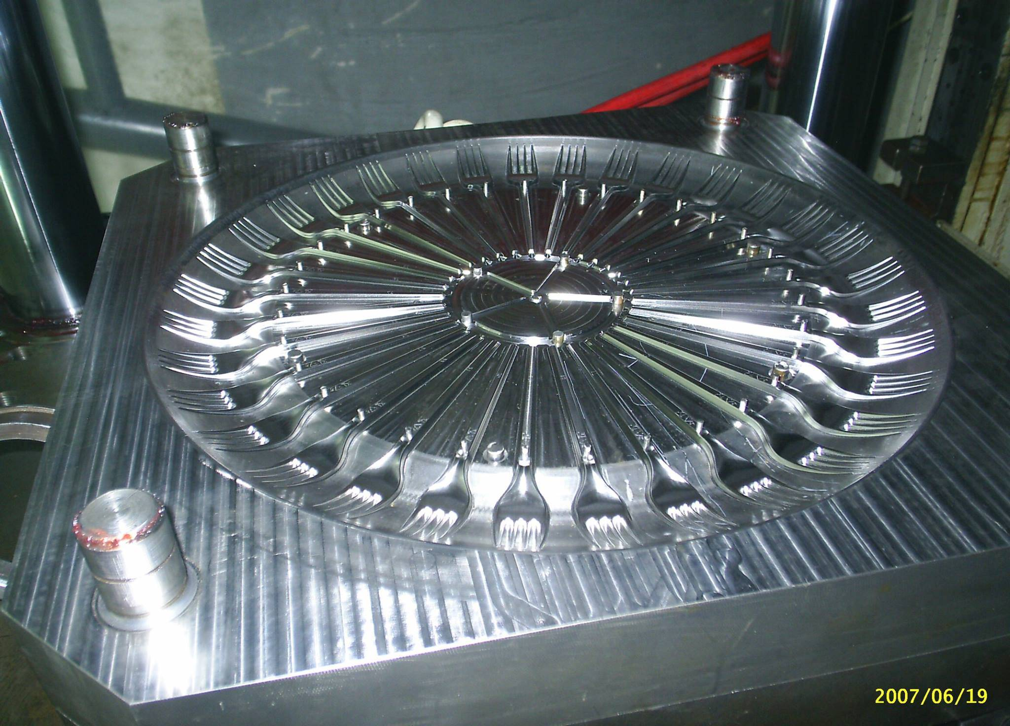 Piramit company molds industry , Piramit kalip , CNC , molds manufacturing , Plastic molds making ,