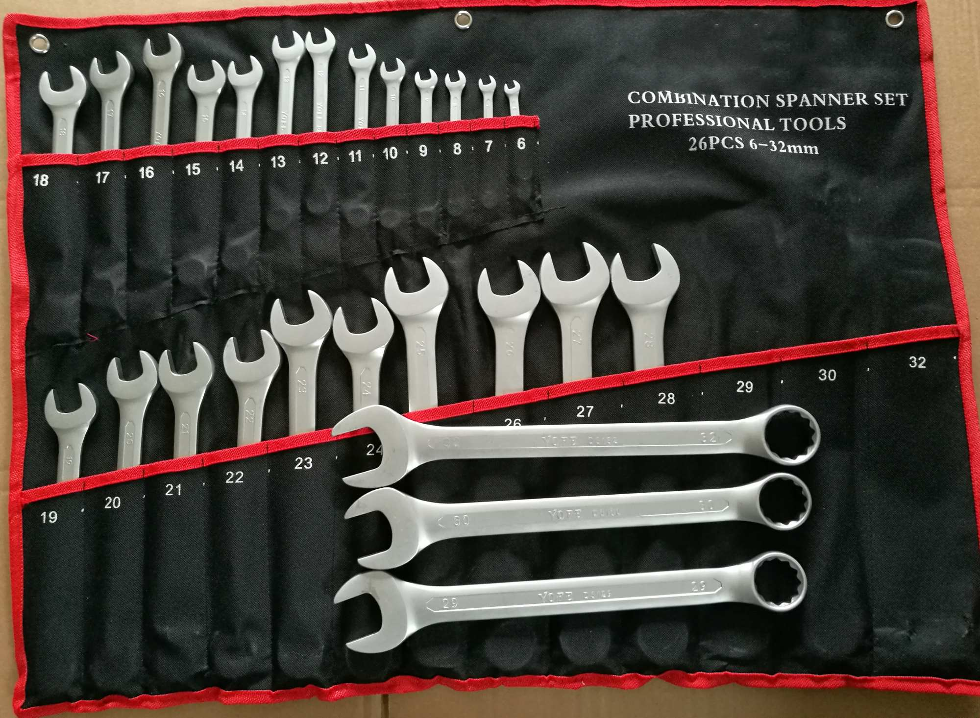 26PCS Good Quality Combiantion Wrench Set in Rolling Bag (FY1026W)