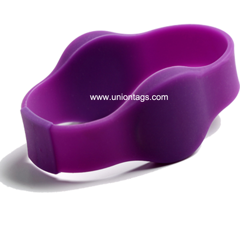 125khz Adjustable Colorful TK4100 Silicone Active Rfid Wristband For Event STAR products