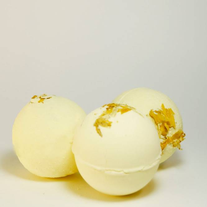 Bath fizzies infused with Lemon blossom.