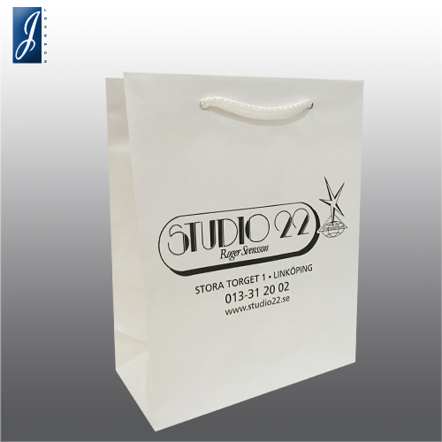 Customized shopping paper bag for STUDIO 22