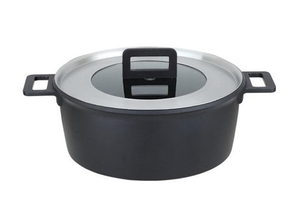 non-stick sauce pot
