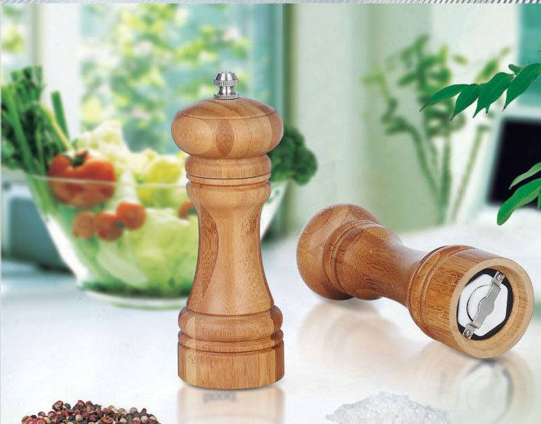 Bamboo spice grinder