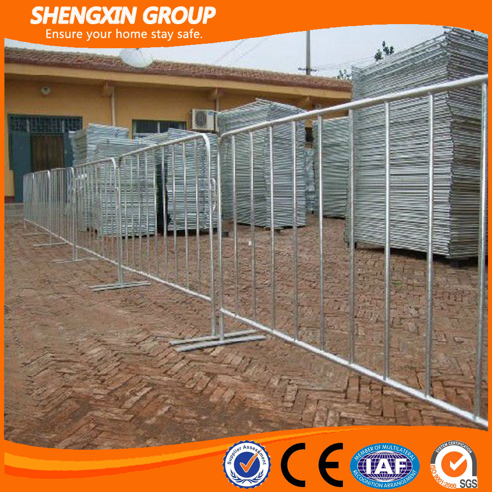 Hot dip galvanized traffic crowd control barrier