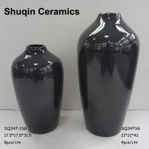 ceramic vase in dlomite material