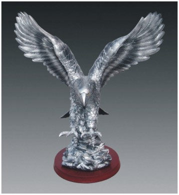 resin silver flying eagle animal statue