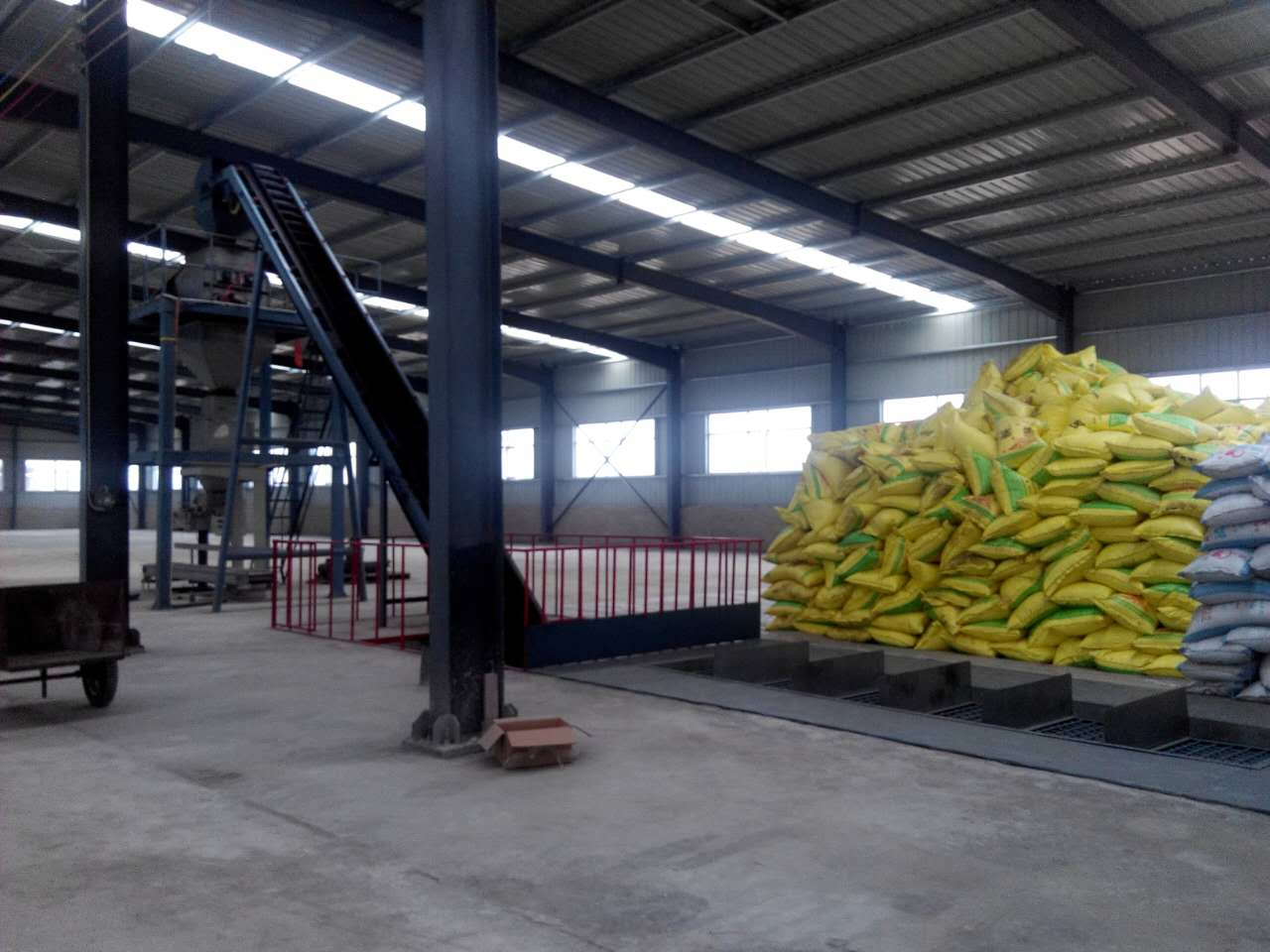 Dosing, weighing, bagging and palletizing machines for Fertilizers