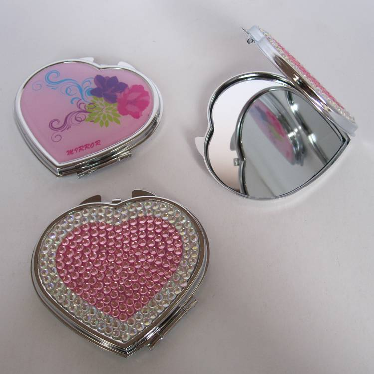 Heart shape cosmetic compact mirror with diamond on dome for girls