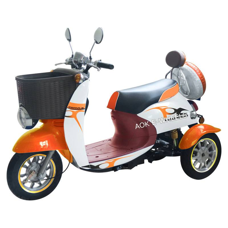 2016 Disabled 3 Wheel Electric Mobility Scooter with Rear Box