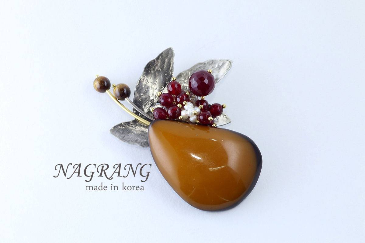 Amber and burgundy garnet brooch necklace