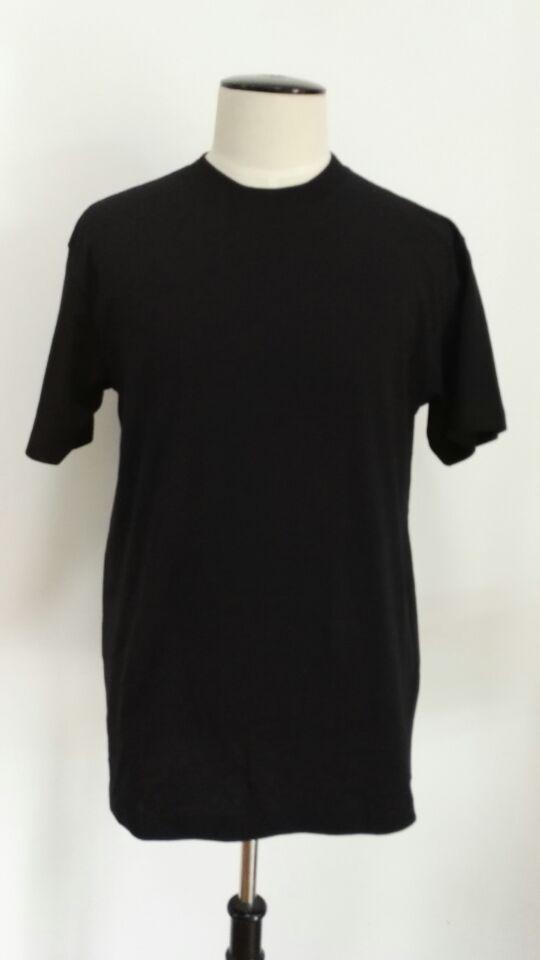Sell garment stocklot of men's t-shirt