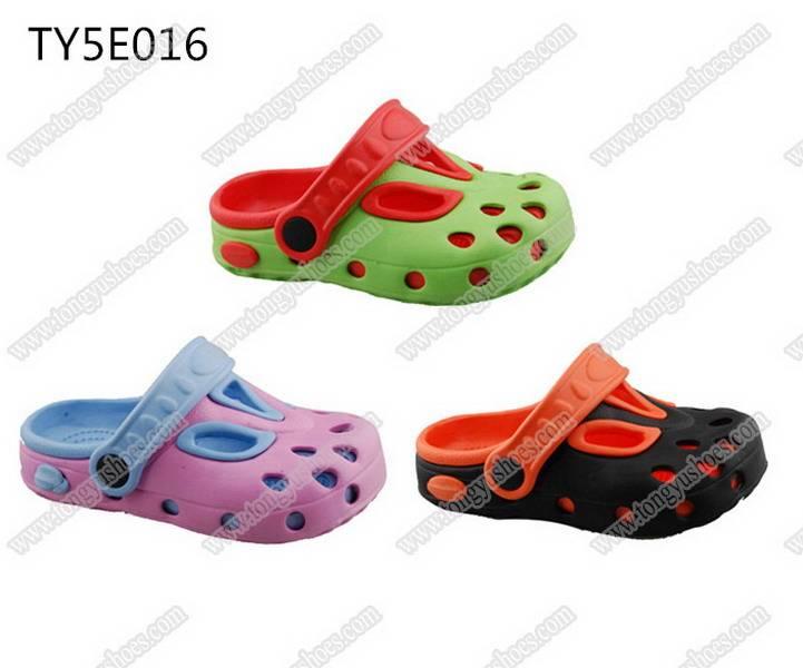 anti-slip soft wearing kids fashion garden clogs shoes