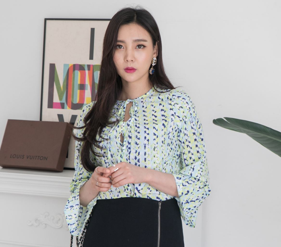Wholesale New Fashion High quality Summer Blouse Women V-neck ribbon 3/4 Sleeve Blouse for ladies