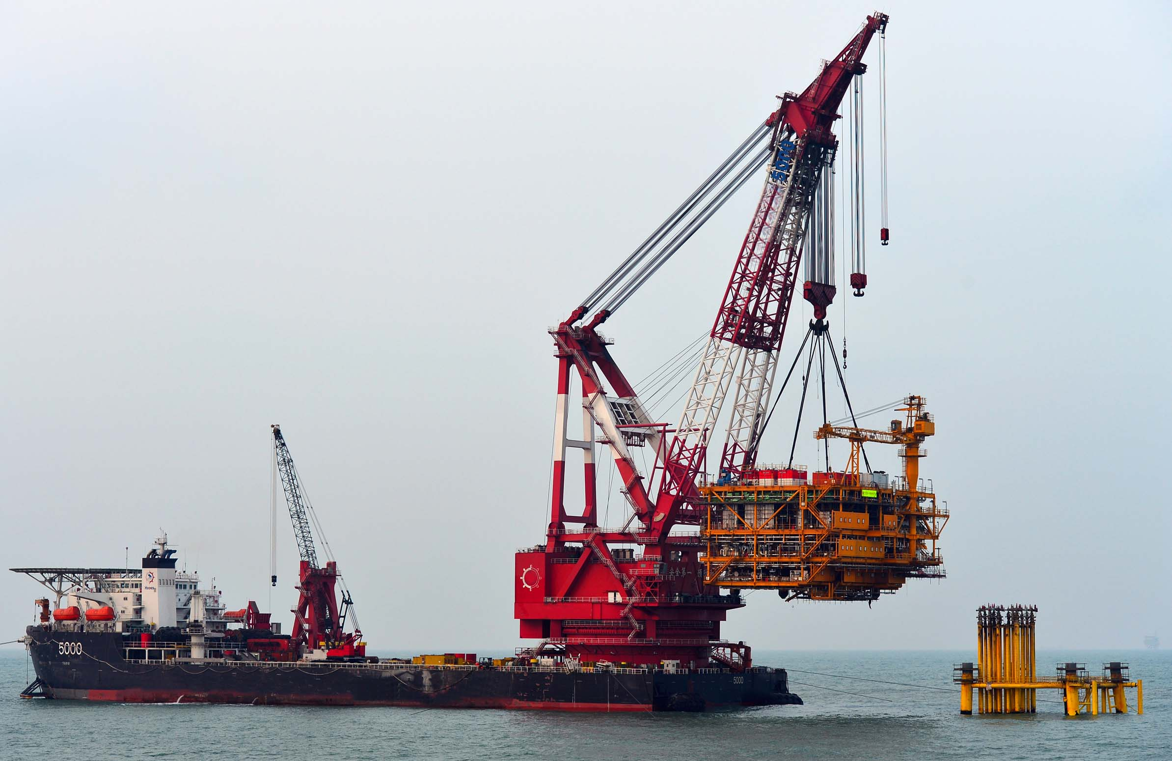 Mexico Floating Crane Barge Crane Vessel Crane Ship Hire Rent Buy Sale SELL Charter Mejico MEXICO