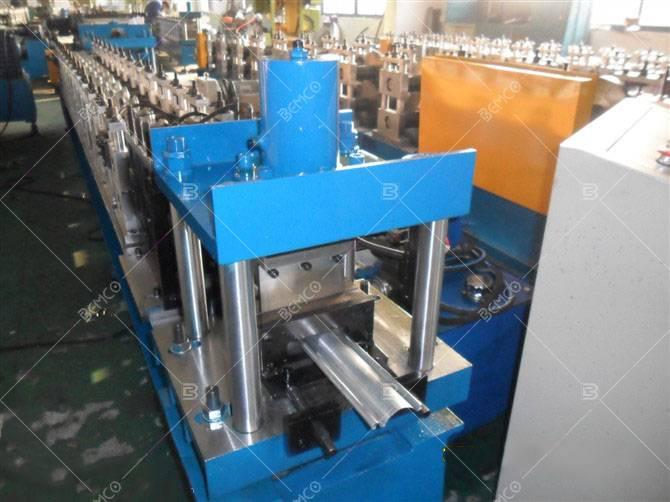 Roller shutter lath roll forming machine
