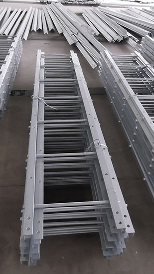 Hot dip galvanized welded steel ladder for telecommunication tower