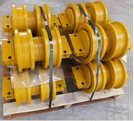 China Bulldozer best quality parts SD16 track roller double flanges 16Y-40-10000
