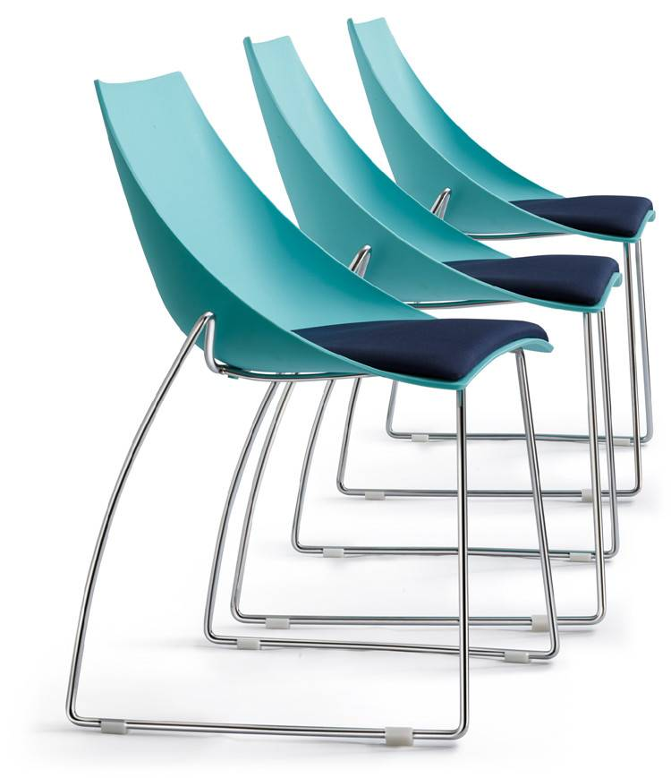 Immaculate Blue Plastic Chairs with Chrome Metal Legs Solid Steel Frame