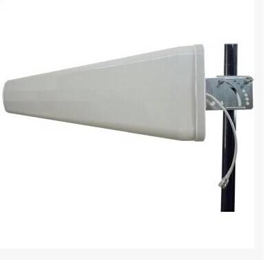 4G log-periodic antenna 700-2700MHZ high-gain directional antenna