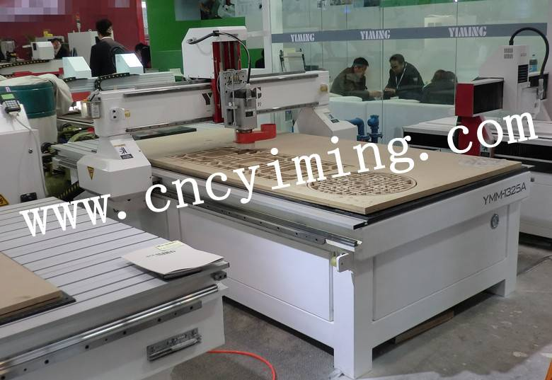 wood cnc router /cnc machine 1325A
