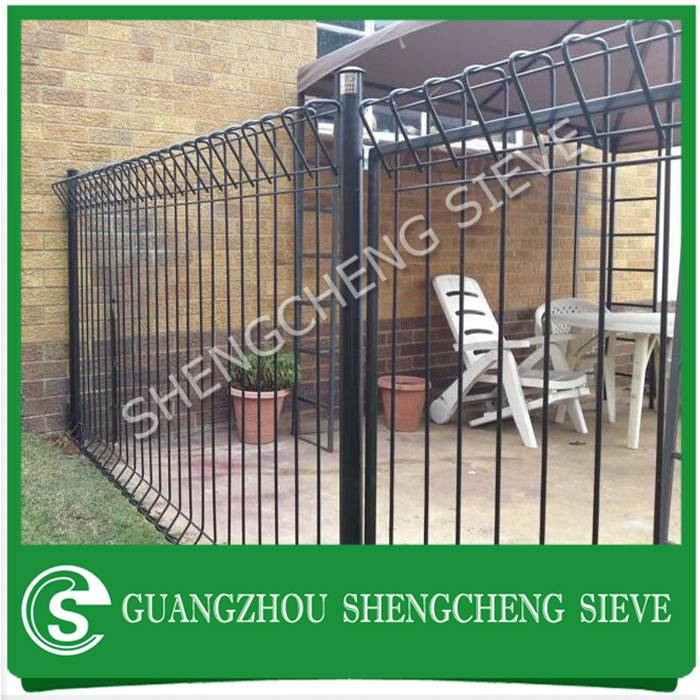 China factory heavy duty galvanized steel powder coated black brc fencing to Singapore