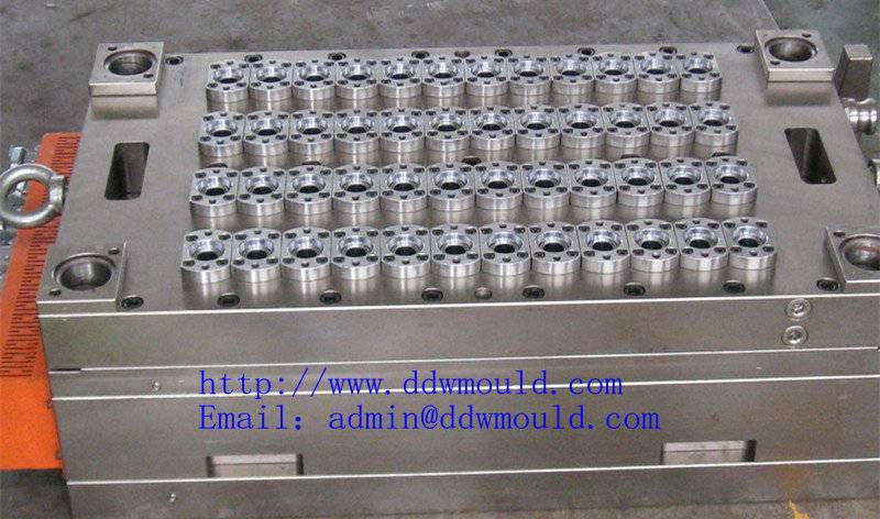 DDW Primary packaging for the food industry pneumatic 48 cavity valve gate self-locking PET moulding