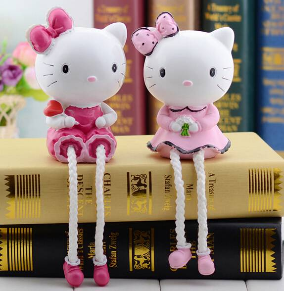 Wholesale Best Selling Japanese Adorable Resin Craft Hello Kitty Outseam Doll Penny Jar