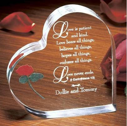 wholesale love heart-shaped acrylic photo frame for Valentine days gift