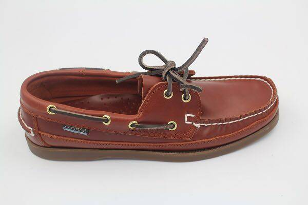 lace-up style men boat leather shoes