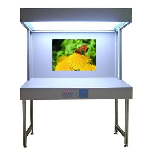 Vteke Color viewing booth for graphic