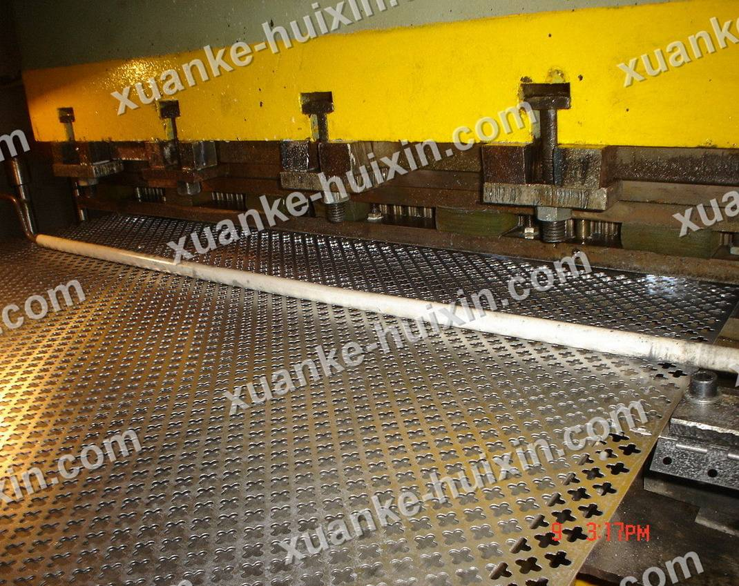 Stainless steel Perforated sheet /Carbon steel perforated metal /perforated plate|Hebei xuanke co lt