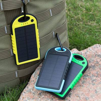 2016 Hot selling dual USB 5V 2A portable 5000mah waterproof solar power bank for mobile charger