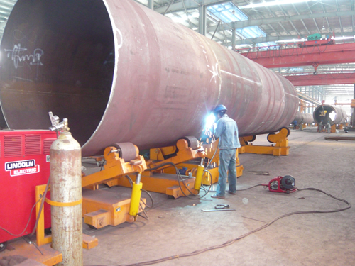 Self alignment and conventional welding rotator combined as a whole useing