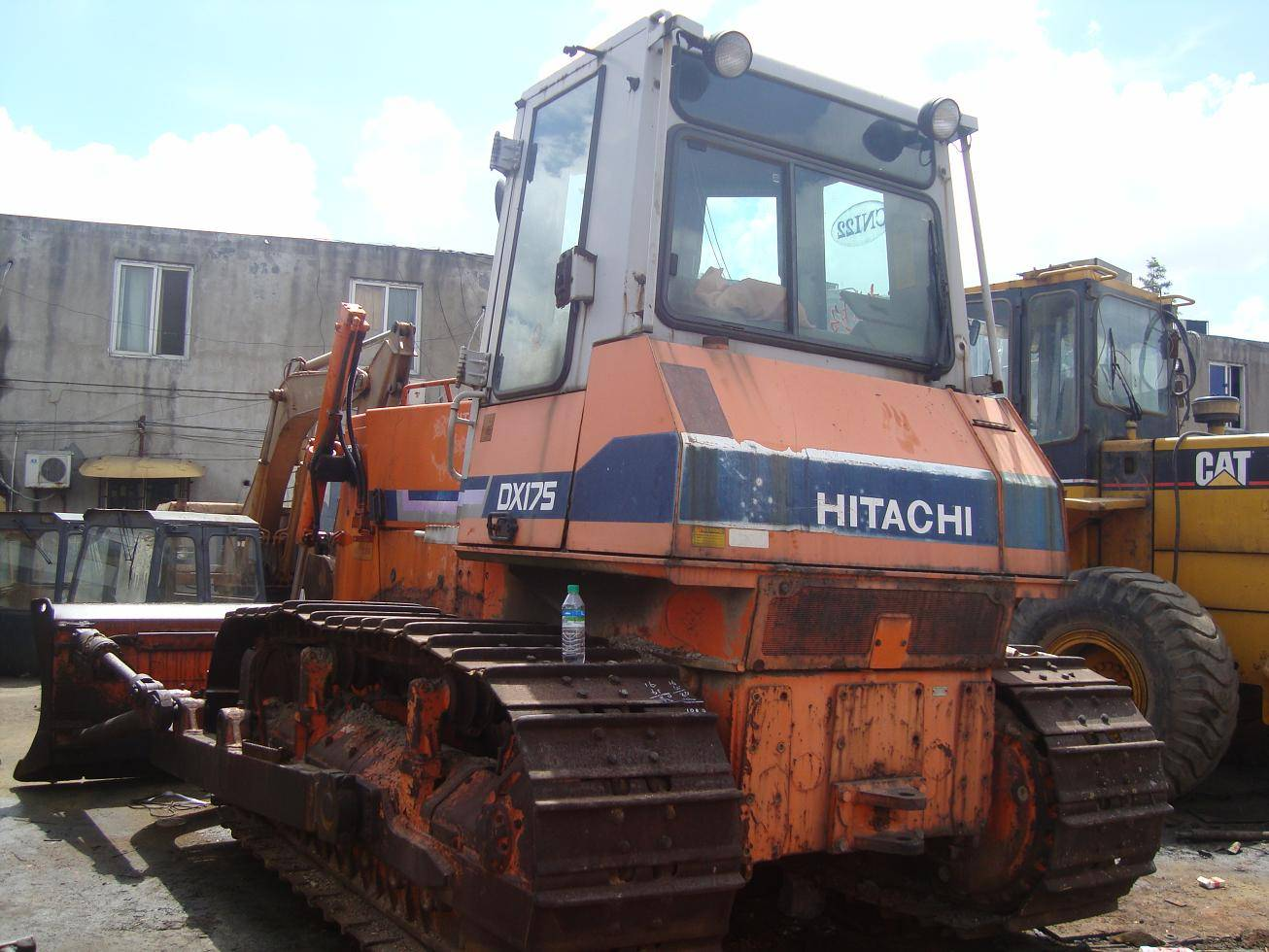 used bulldozer Hitachi DX175
