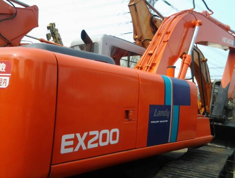 Used Japan Original Cheap Hitachi EX200-1 EX200-3 EX200-2 Crawler Excavator