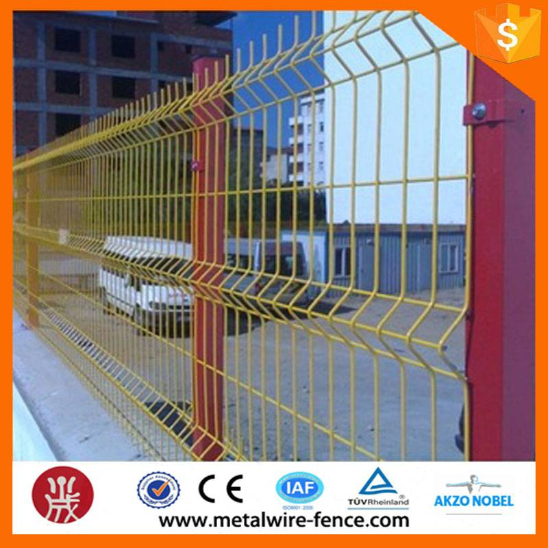 Powder coated welded wire mesh fencing / home garden security fence supplier
