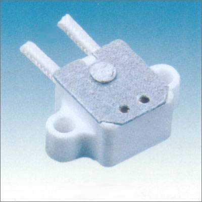 G4.0-5.3-6.35 ceramic lamp holder coated with silicone wires