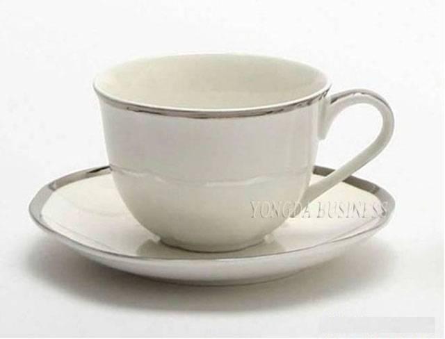 ceramic / porcelain / stoneware / bone china coffee mugs and saucers / coffee set