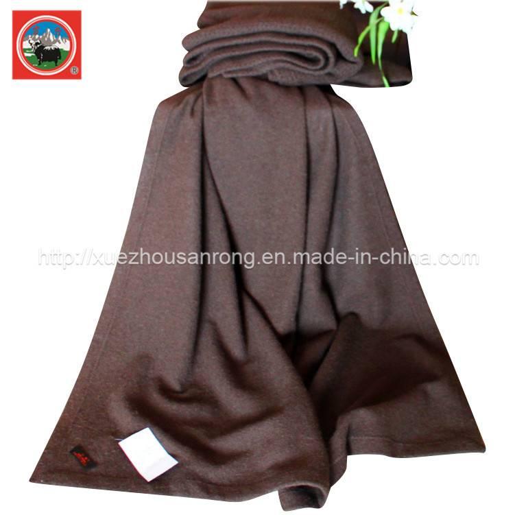 Jacquard wool/cashmere blanket