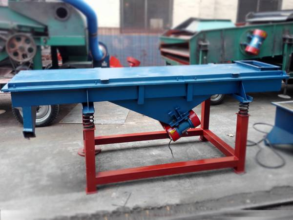 Grain linear vibrating screen