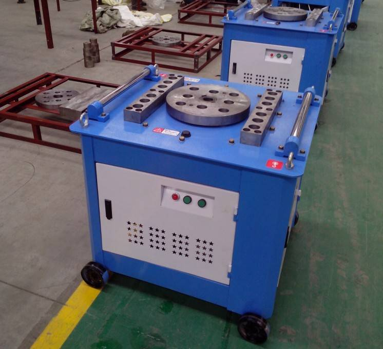 Automatic steel bar stirrup bending machine