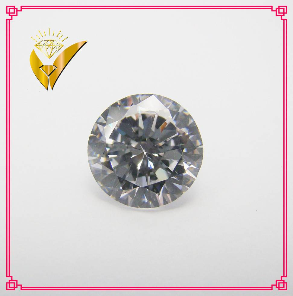 Machine cut white round shaped cubic zirconia