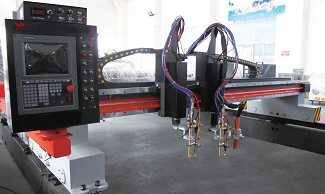 CNC flame and plasma cutting machine
