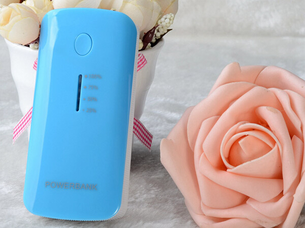 Best Christmas gifts rechargeable battery portable power bank charger 5200mah