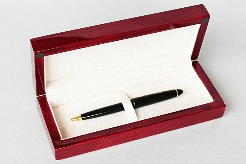 shiny wooden pen box